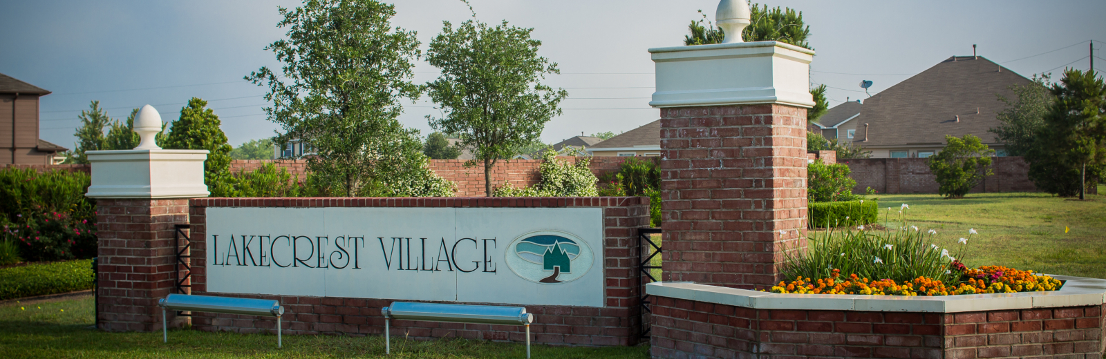 Lakecrest Village